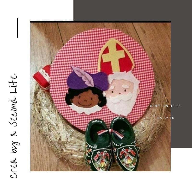 Sint en Piet in vilt op canvas  #sinterklaaskapoentje #sinterklaasdecoratie #sinterklaasje #sinterklaasenzwartepiet #vilt #felt #diyblogger #sintenpiet #sinterklaasfeest #sinterklaas #creabyasecondlife #sintenpiet