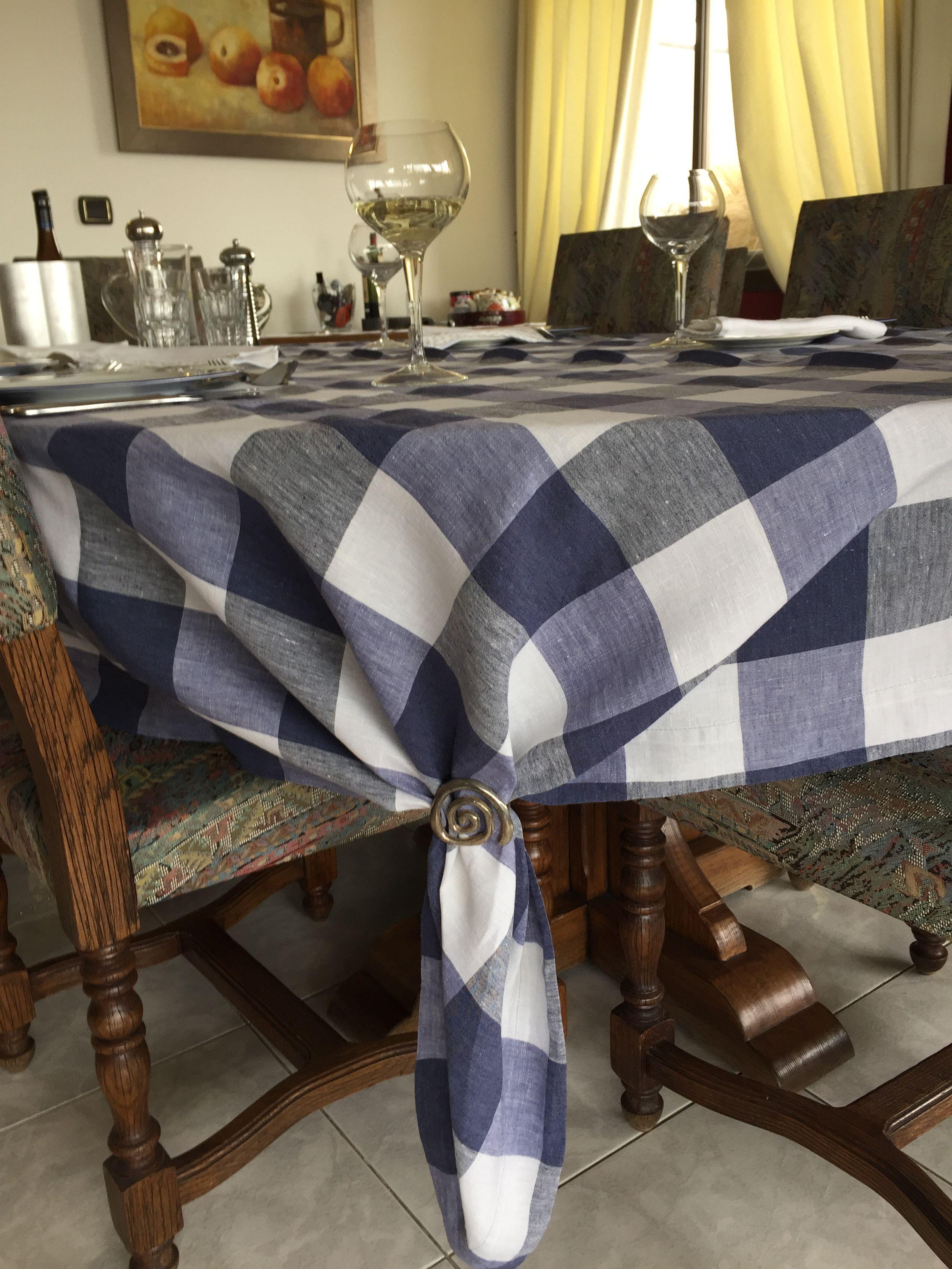 Using A Rectangular Tablecloth On An Oval Table Table