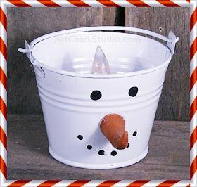 Snowman Bucket Light