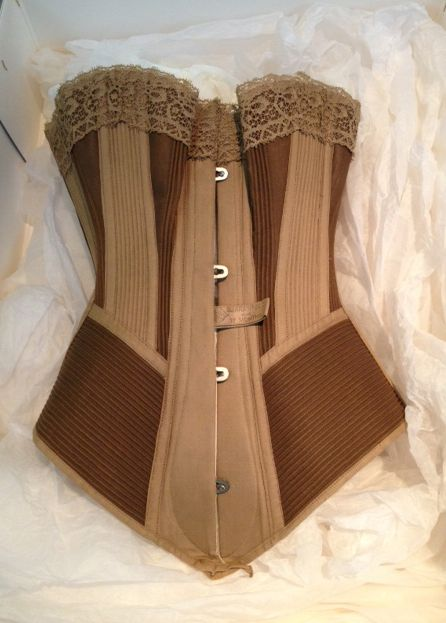 Pretty Housemaid corset (1890) Symington Collection