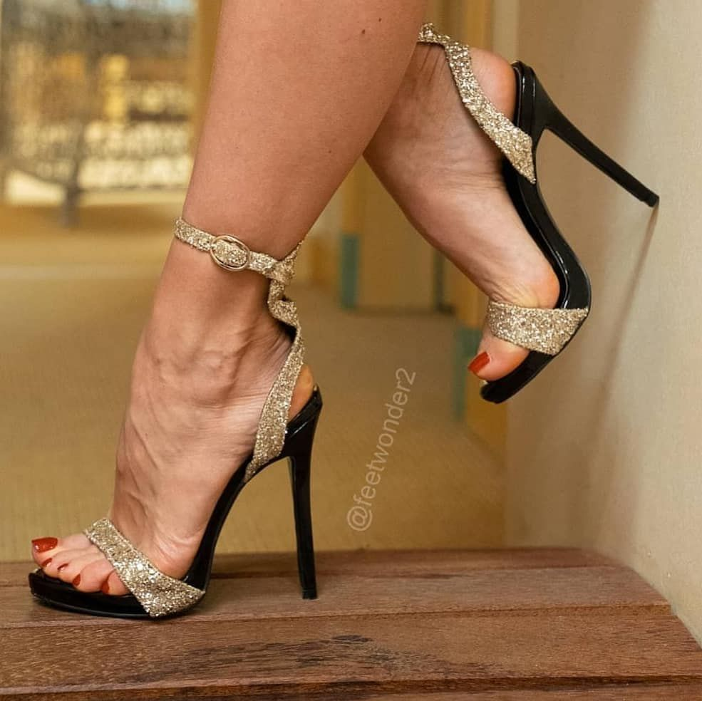 highheels love on Instagram: @feetwonder2 #feetporn #feetfetish #shoesporn #highheels #feetjob #sexyfeet #feetporn #sexywoma #shoes #solesfetish #highheelshoes