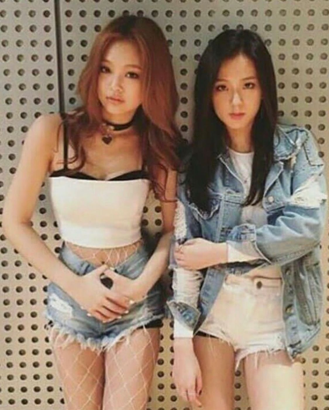 Jennie And Jisoo Pre Debut With Images Blackpink Fashion