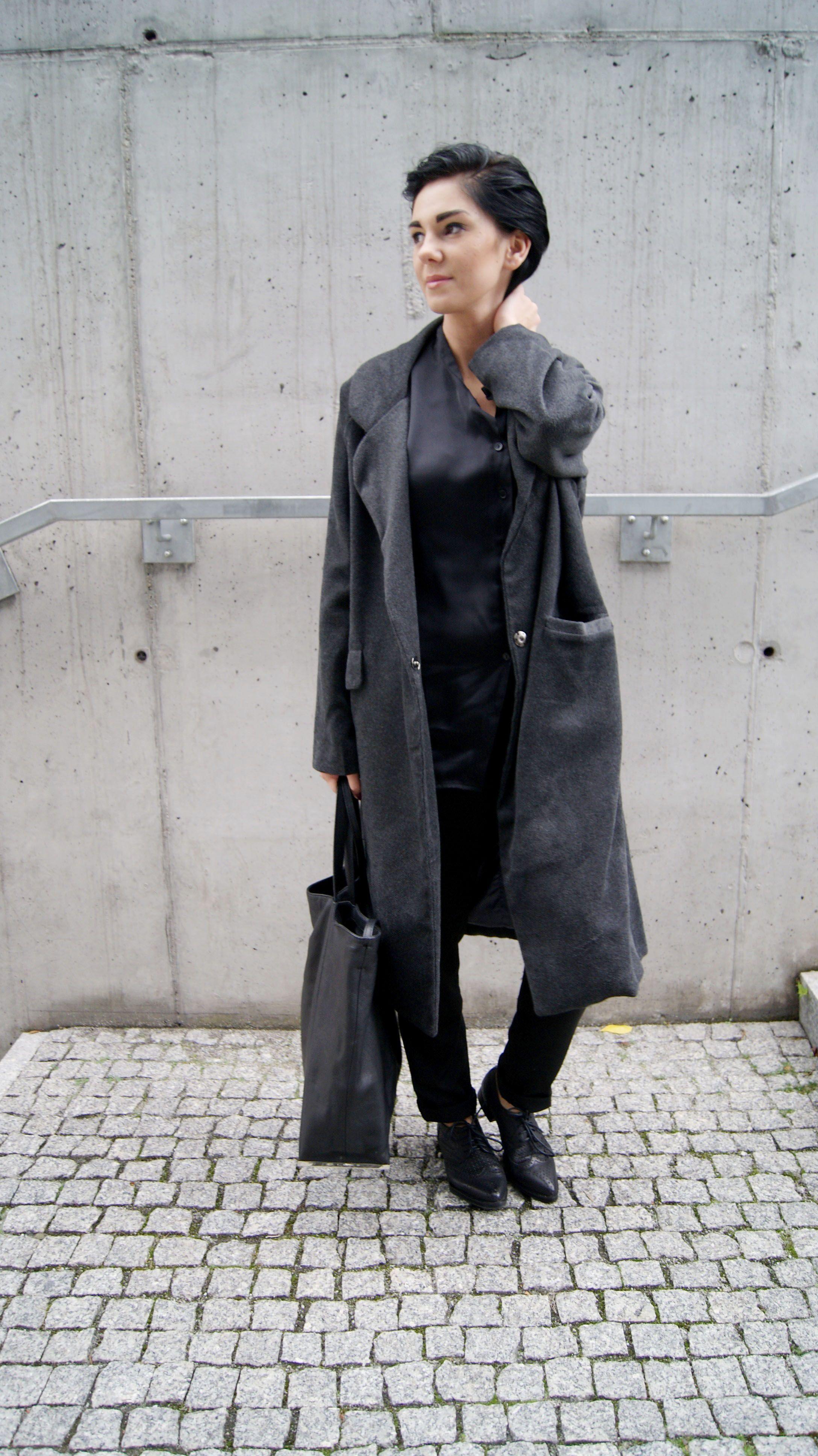 coat: http://www.choies.com/product/deep-gray-longline-wool-coat_p17528?cid=2759jesspai  shoes: http://www.choies.com/product/vintage-cut-out-lace-up-brogue-shoes-in-black_p28984?cid=2759jesspai  visit me to see more:) http://mesmerize87.blogspot.com/2014/10/satin-black.html