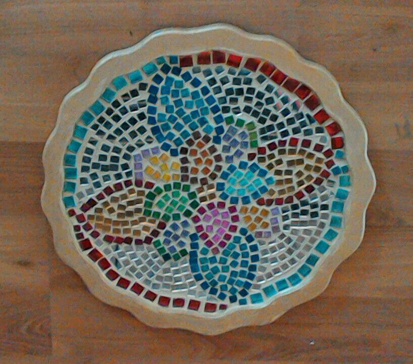 Mosaic round tray Handcrats Trabajos manuales Pinterest Mosaics