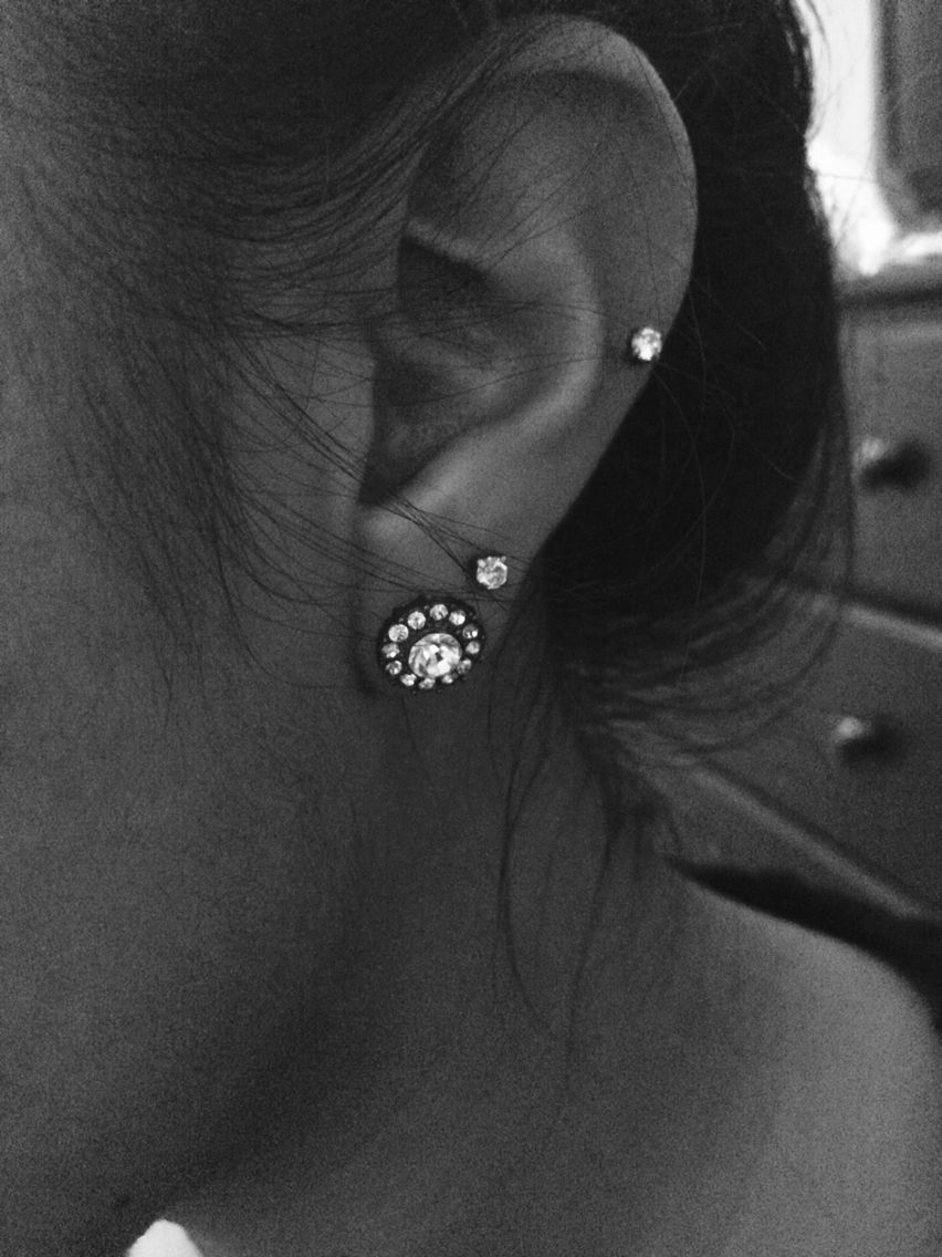 Double piercing nose ring  I love multiple ear piercings  piercings and tattoos  Pinterest