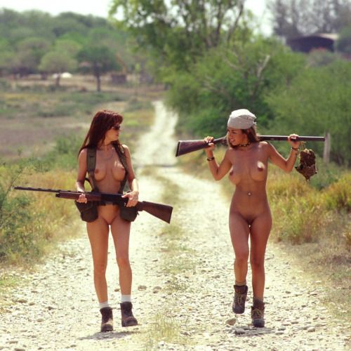 Pics of girls hunting naked — pic 7