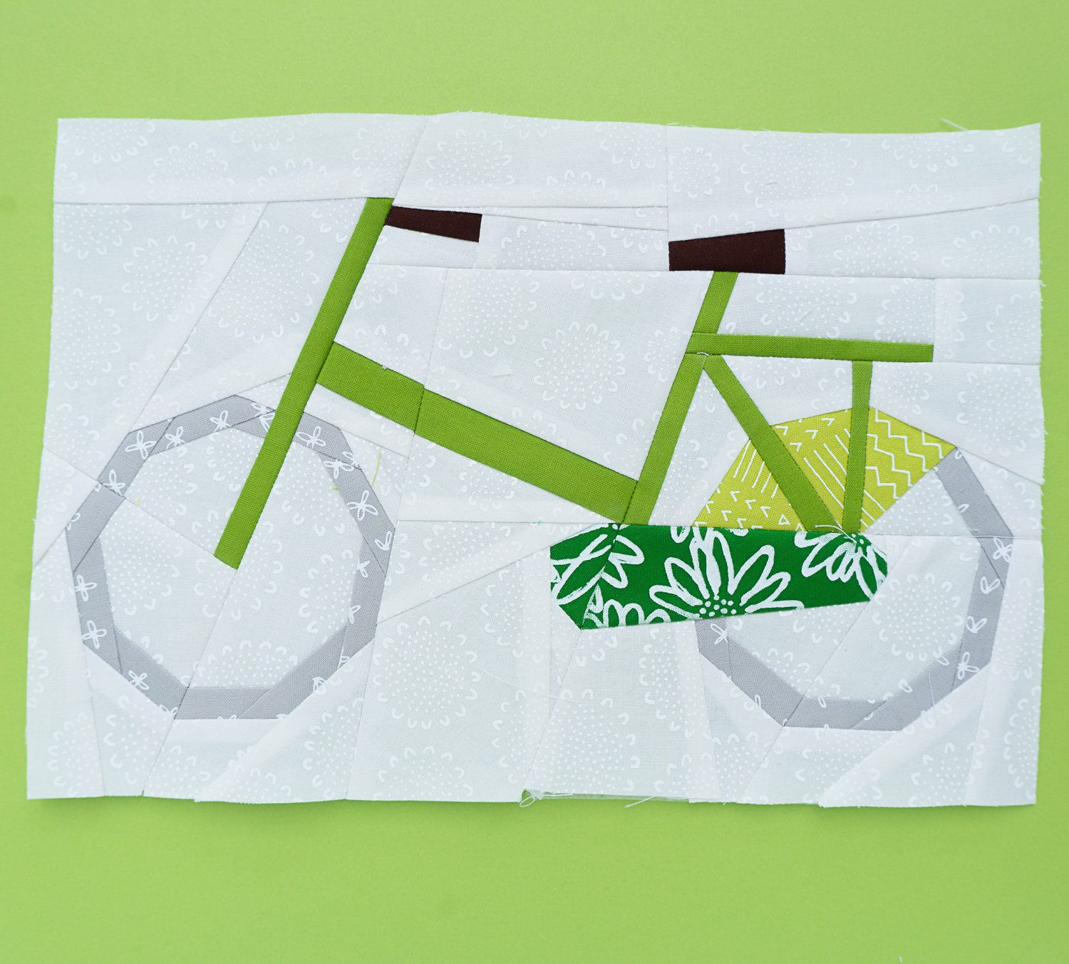 Bicycle Paper piecing pattern Quilt block pattern by Sugaridoo on