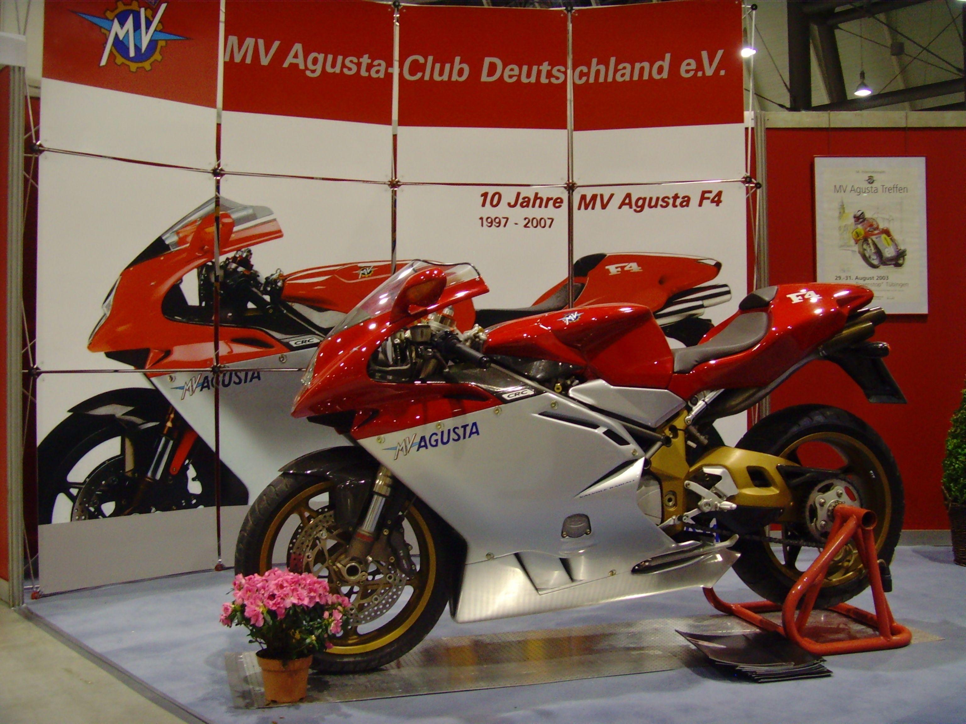 Mv Agusta F4 750 Oro Mv Agusta Racing Bikes Bobber Motorcycle