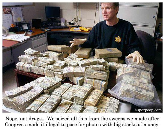 stacks-of-money.jpg (550×436)