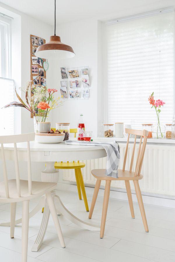 cocina blanca con sillas amarillas | Living room | Pinterest ...