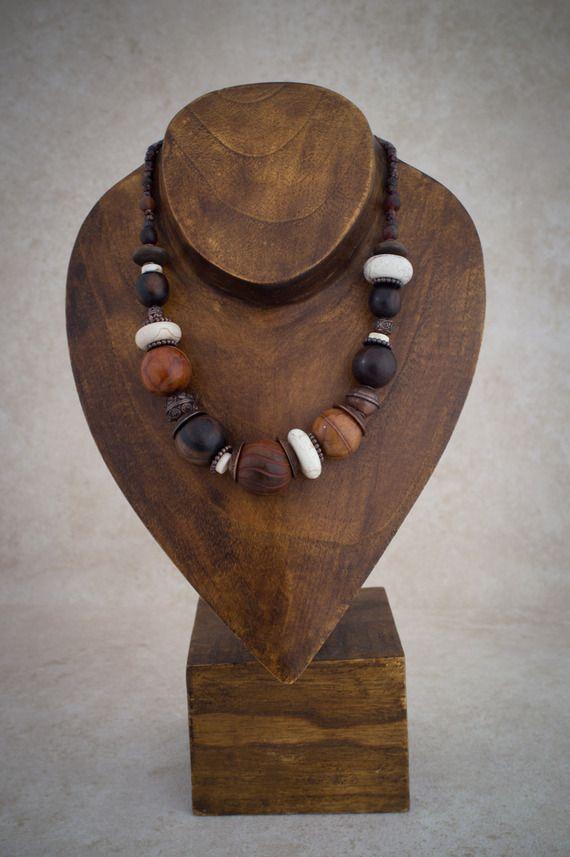 collier ethnique grosses perles naturelles bois corne et. Black Bedroom Furniture Sets. Home Design Ideas