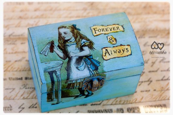 Alice In Wonderland Ring Box Personalized By Anniamaedesigns 2500