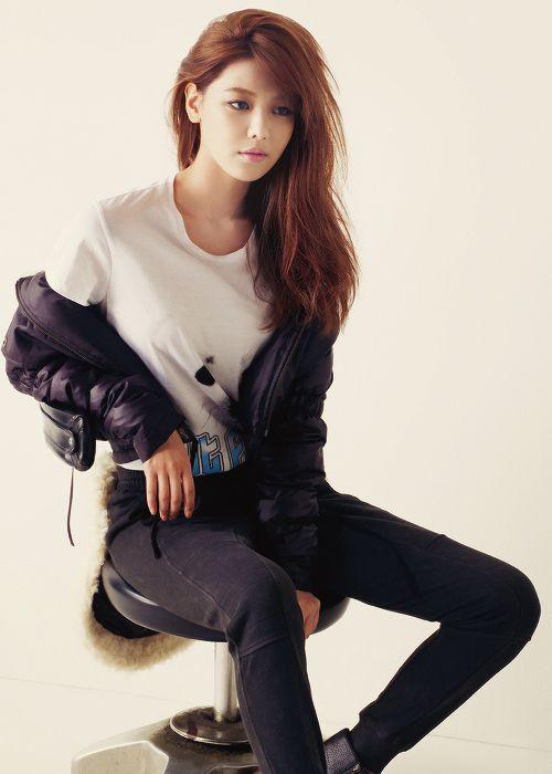 Sooyoung (Choi Soo-young) Girl's Generation / SNSD/ Soshi(소시) (수영(최수영)소녀시대)