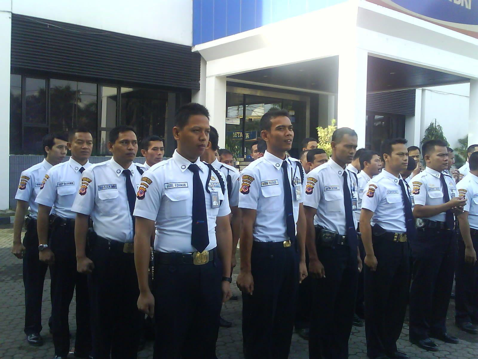 Lowongan Kerja Satpam Security Terbaru Di Lampung Http Www Karirbdl Com 2016 10 Lowongan Kerja Satpam Security Terbaru Html Kerja Pelampung Sma
