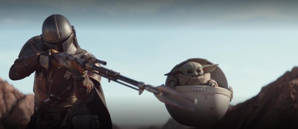 Yoda Baby Mando Star Wars Mandalorian Shooting Mandalorian Star Wars Yoda Star Wars Gif
