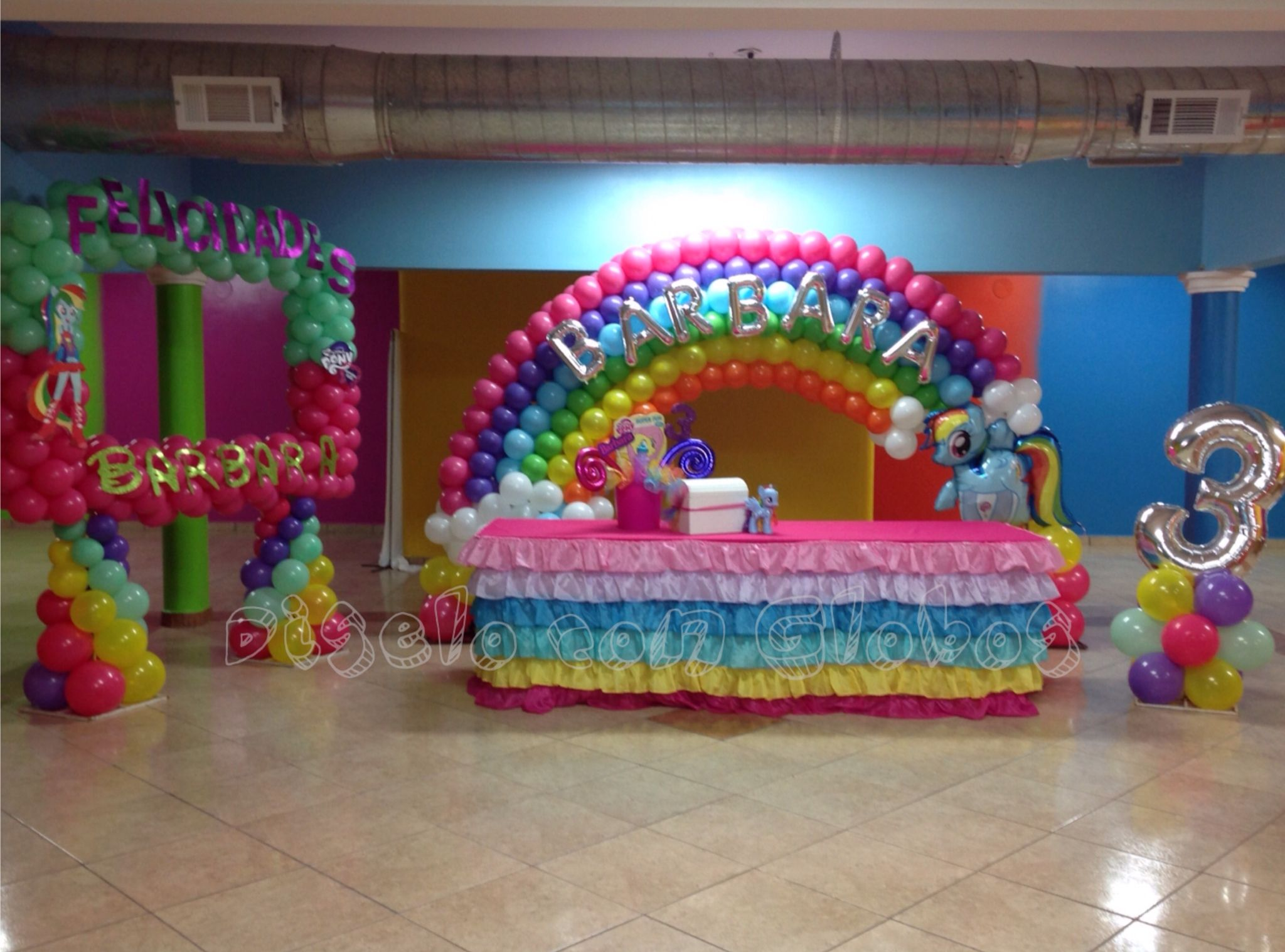 Decoracion con globos my little pony arcoiris diselo con for Decoracion simple con globos