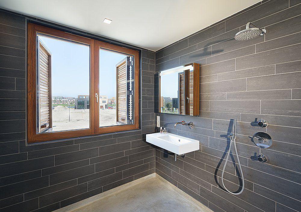 gray wood tile floors   ... Village Nuance : Modern Bathroom With Black Tile And Grey Floor Theme