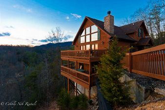 Cobbly Nob Rentals Is A Gatlinburg Cabin Rentals Company Situated On A Acre  Exclusive Resort.
