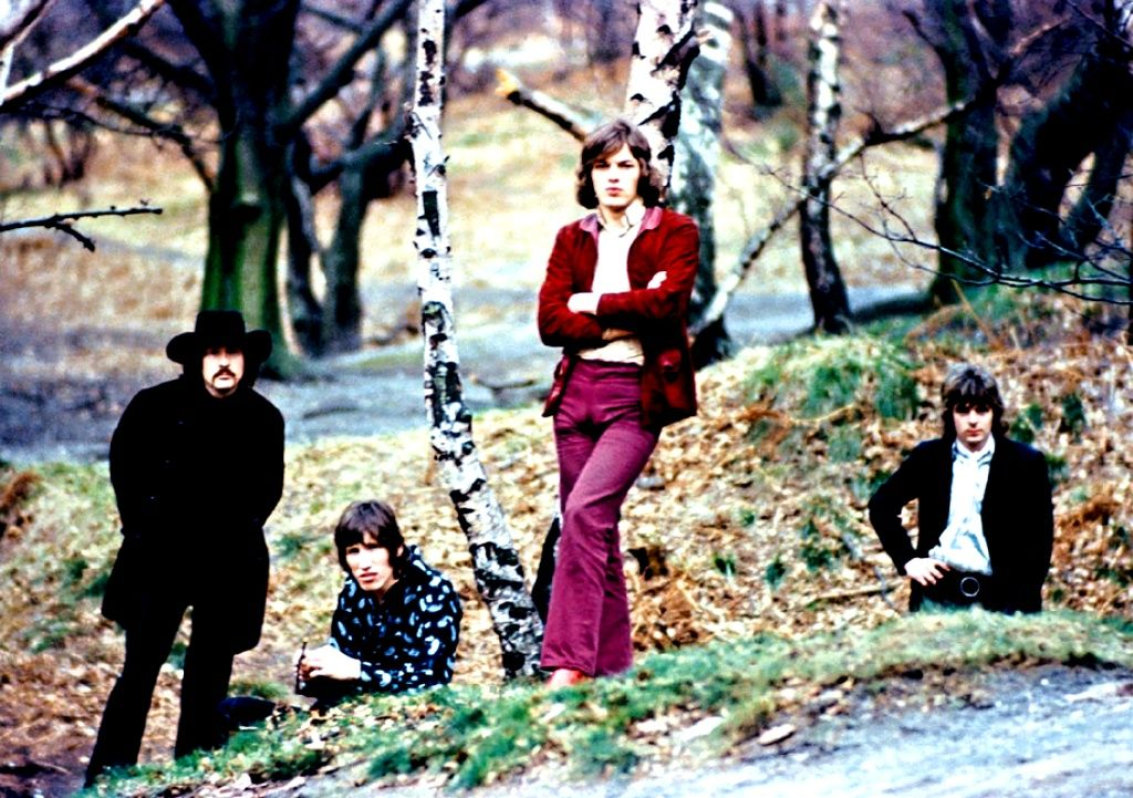 Pink Floyd in february 1968 One of the first pics with David Gilmour (Photo by Storm Thorgerson)