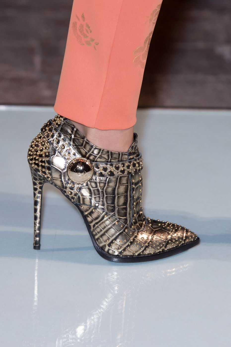 Roccobarocco at Milan Fall 2014  ROCKIN THE GLAM WITH THESE BOOTS BELLA DONA