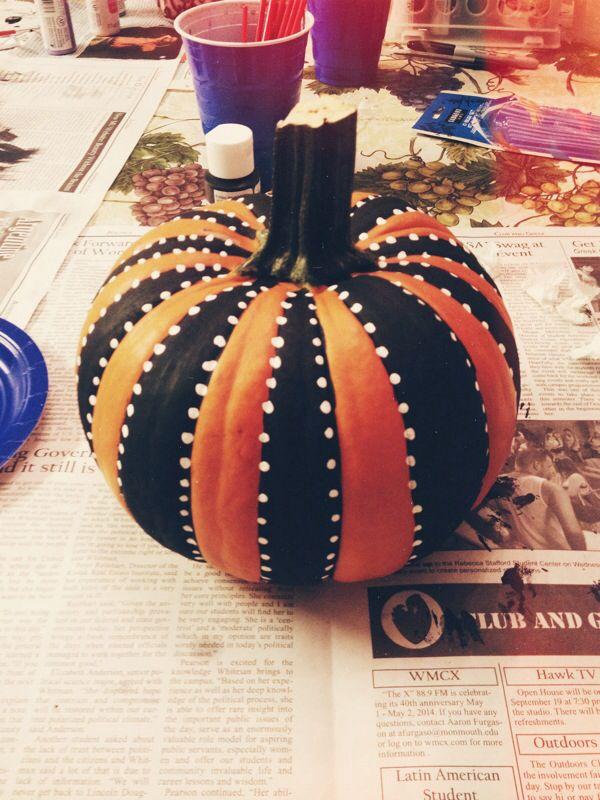 DIY Pumpkins #halloween #pumpkins #diy #blackandwhite Halloween