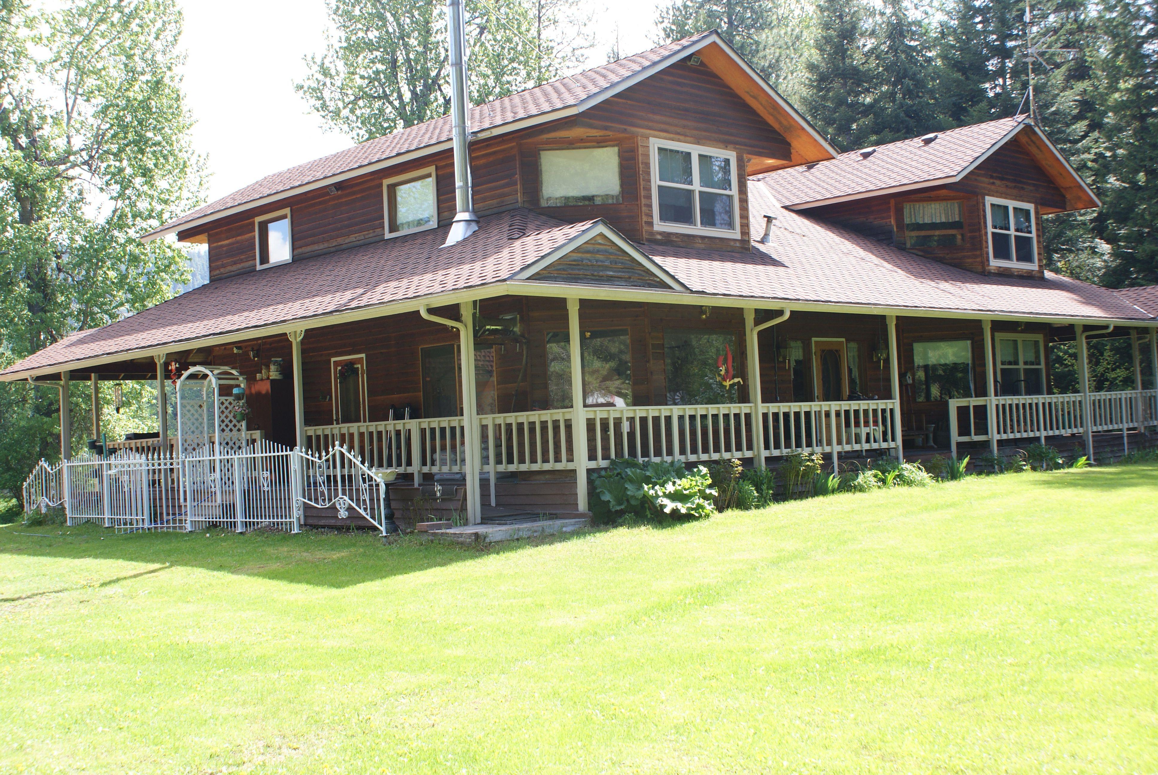 """Conklin Meadows classic """"farmhouse"""" for sale in Newport"""