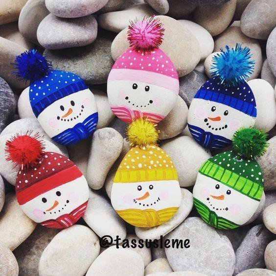 Decoracion de Navidad con Piedras Pintadas