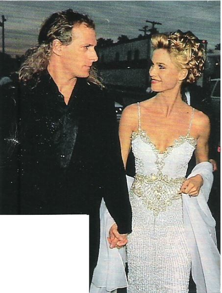 Bolton, Michael / With Nicollette Sheridan, Holding Hands ...