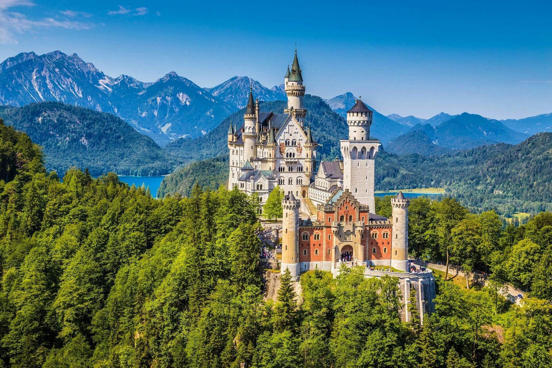 Schloss Neuschwanstein Bei Fussen 808m Im Lkr Ostallgau Schloss Neuschwanstein Marienbrucke Neuschw Schloss Neuschwanstein Urlaub Bayern Neuschwanstein