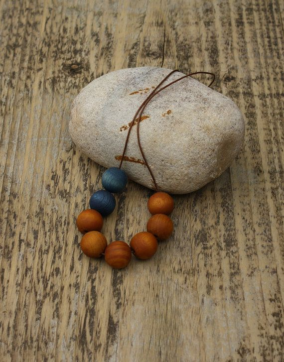 Wooden Bead Necklace Hand dyed Amber Blue van red2white op Etsy