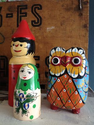 Vintage speelgoed.   Wooden toys and owl.