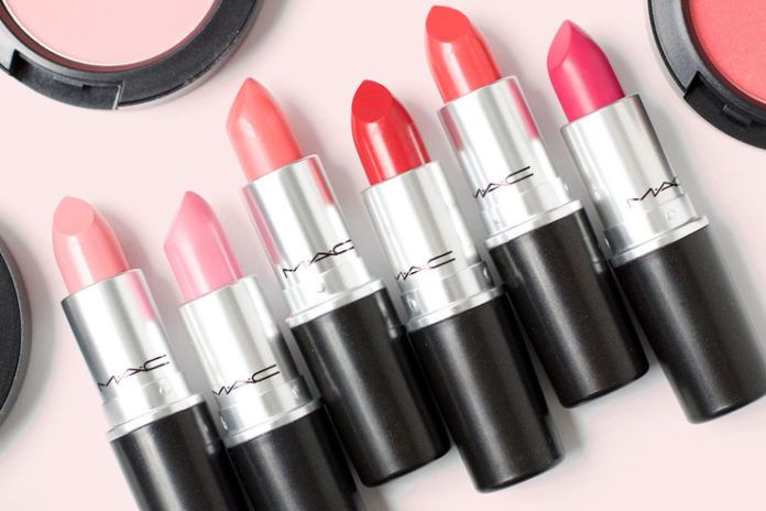 10 MAC Lipsticks Perfect For Indian Skintone💄💄 A list of the top best MAC lipsticks for Indian skin tones and a small review of these colours #Beauty ...