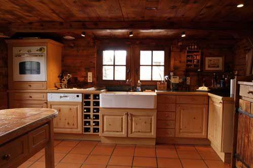 cuisine vieux chalet | aménagement cuisine | Pinterest | Woods and ...