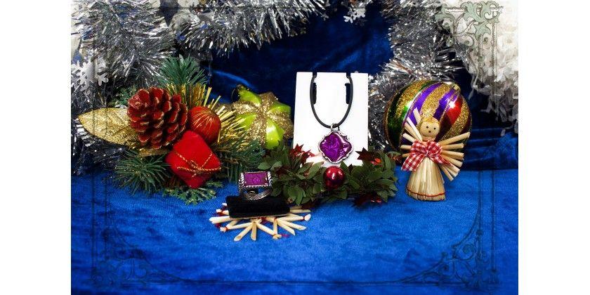 ГОД ОГНЕНОГО ПЕТУХА НОВОГОДНИЕ ПОДАРКИ Красивые и ярки Новогодние подарки от бренда Джокер, красивая женская бижутерия и оригинальные мужские украшения. Праздничная новогодняя женская и мужская одежда. Большой выбор стильных Новогодних подарков в интернет-магазине Джокер http://joker-studio.ru и http://joker-studio.сом  #новый год #год петуха #новогодние_подарки #женские_подарки #мужские_подарки #оригинальные_подарки #рождественские_подарки #новогодняя_бижутерия #новогодние_украшения…