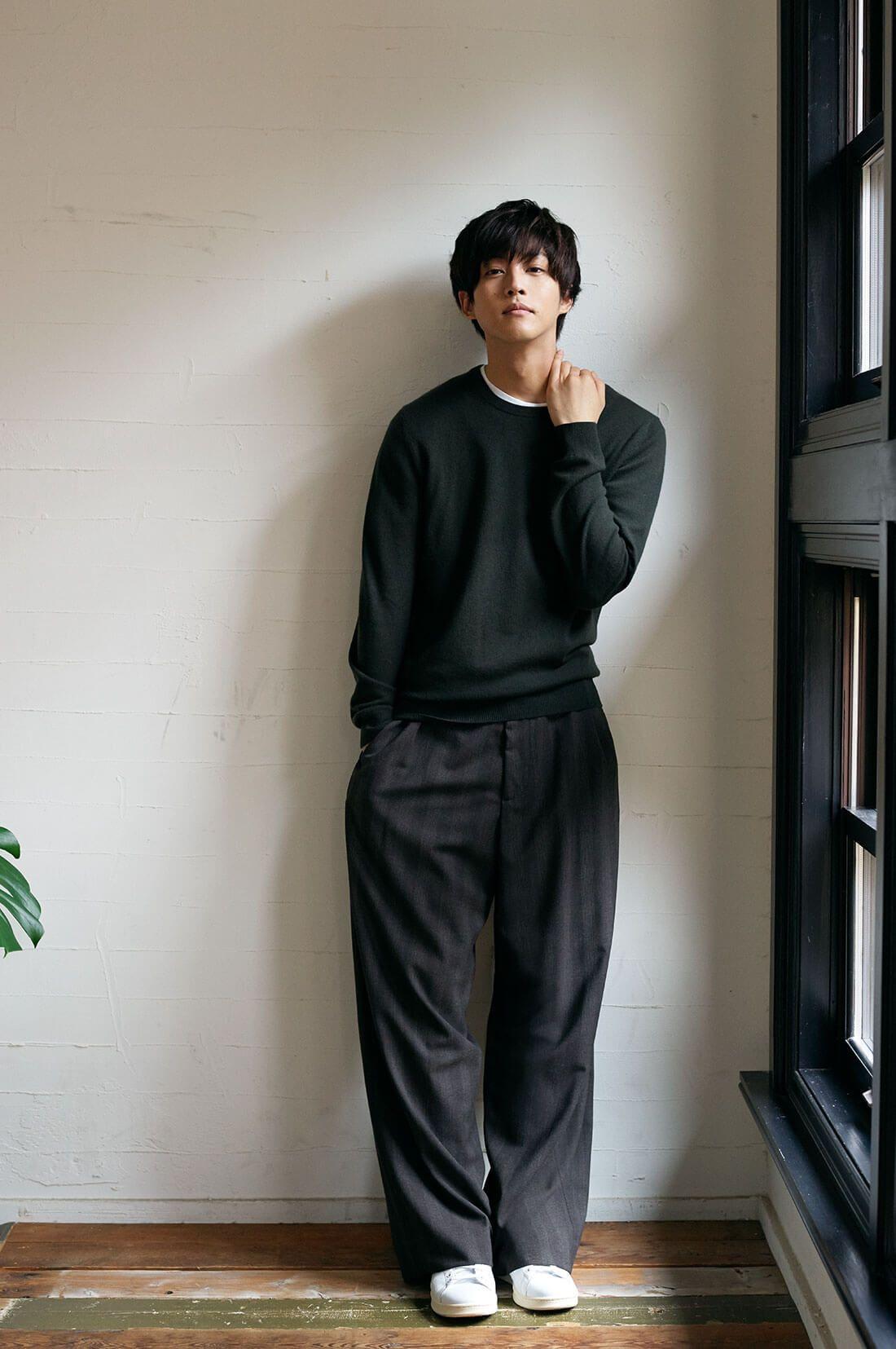 松坂桃李クルーネックニット | men style【2019】 | メンズファッションスタイル、メンズファッション ...