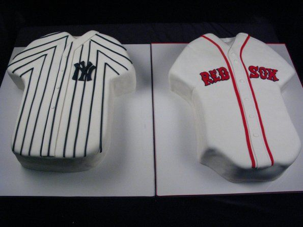 Red Sox V. Yankees, carved cakes, sports, baseball, New York, Boston, Duel, Rivalry, Fondant, Shirts, Jerseys