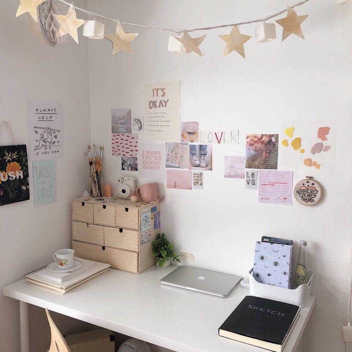 (4) Twitter | Study room decor, Aesthetic room decor, Room ...