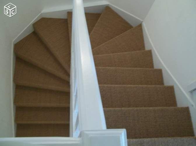 Escalier En Blanc Avec Jonc De Mer Amenagement Escalier Escalier Idees Escalier