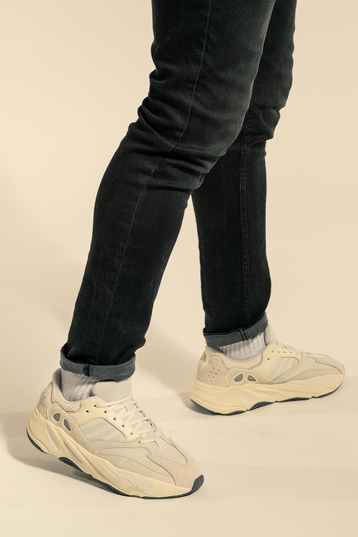 Más lejano grandioso emulsión  Adidas Yeezy Boost 700