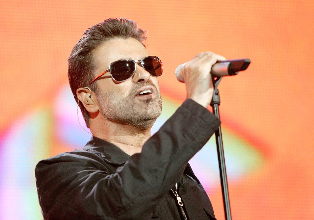 """Dec 25th, 2016 """"You'll never find peace of mind until you listen to your heart."""" - George Michael #RIP"""