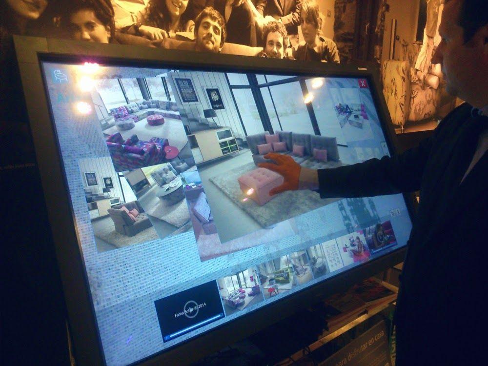 Los clientes que se acercaron a nuestro stand en este primer día, pudieron ver nuestra colección 2014 y también interactuar con la nueva pantalla multi-táctil.