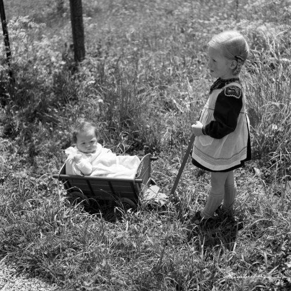 Leinwandbild in 2019   Kinder   Schwarz weiss bilder ...