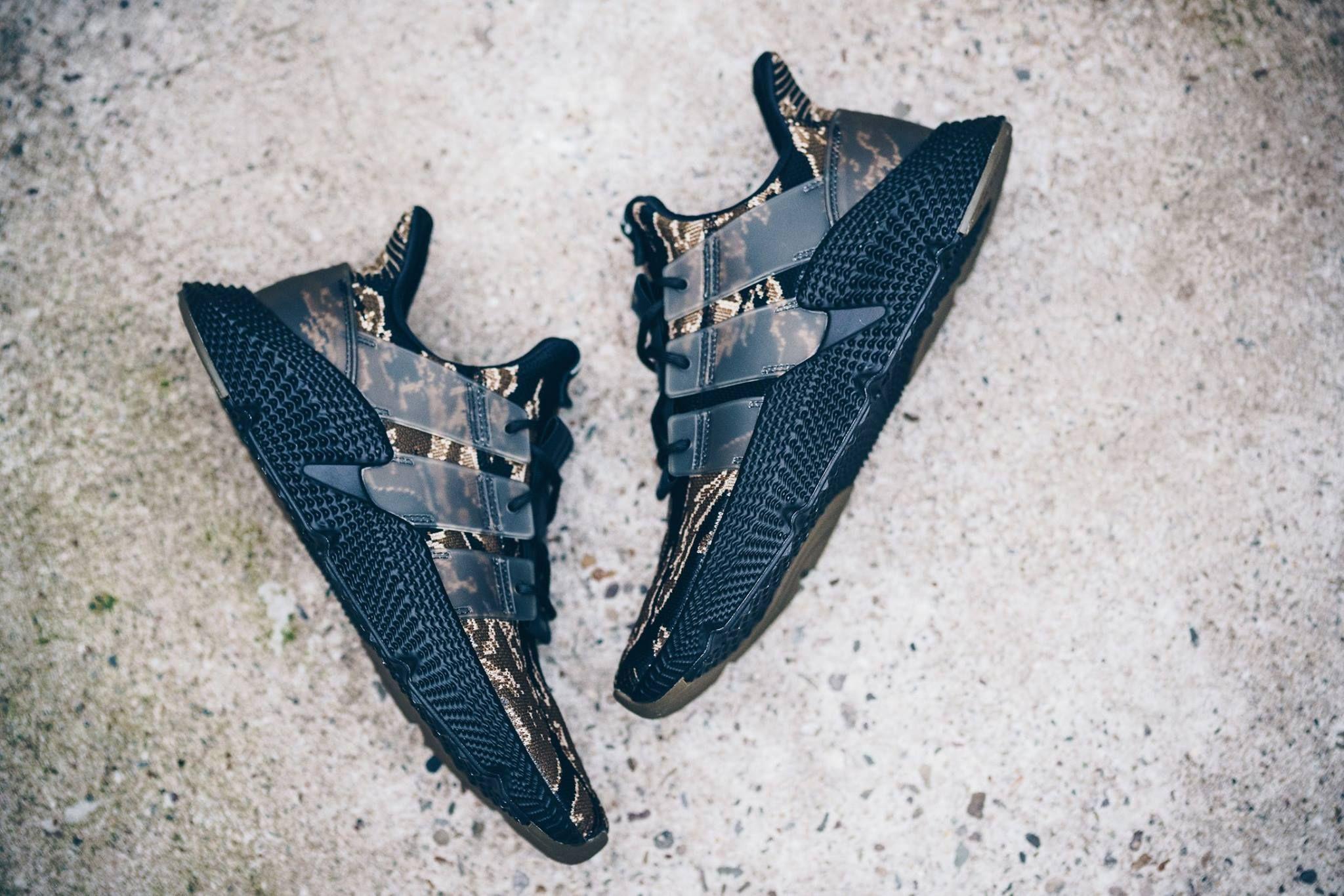 Kanye Yeezy West x adidas Originals Yeezy Kanye Temporada 1 editorial aparece 993611