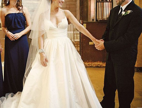 Vintage Lace Wedding Dress Taffeta Spaghetti Open by wonderxue, $288.00