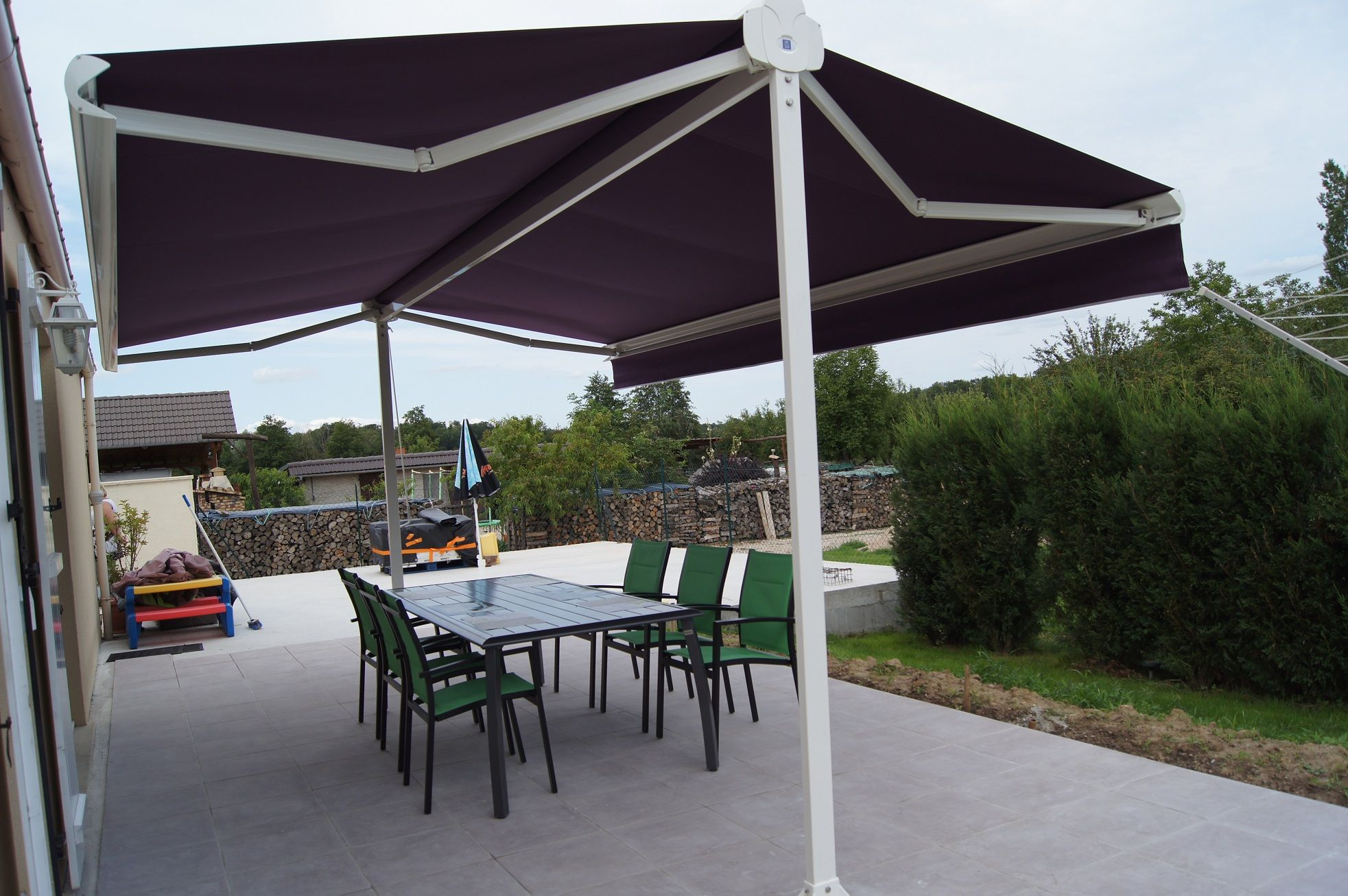 Store Double Pente Http Www Orion Menuiseries Com Stores Banne Store Terrasse Htm Store Terrasse Do Store Double Pente Stores Exterieurs Idees De Patio