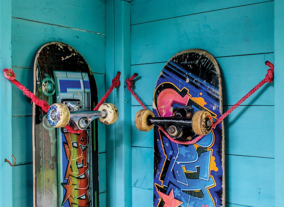 How to hang a skateboard on a wall the ultimate diy hack