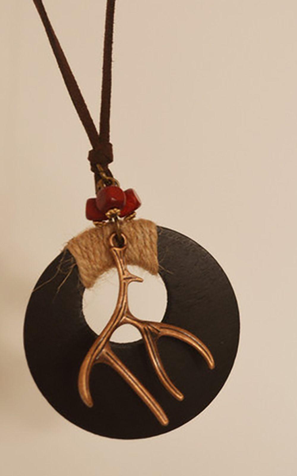 Long chain Horn Ornament