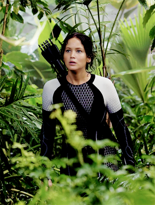 Jennifer Lawrence has Katniss Everdeen in Catching Fire. someone give her an oscar for this!!