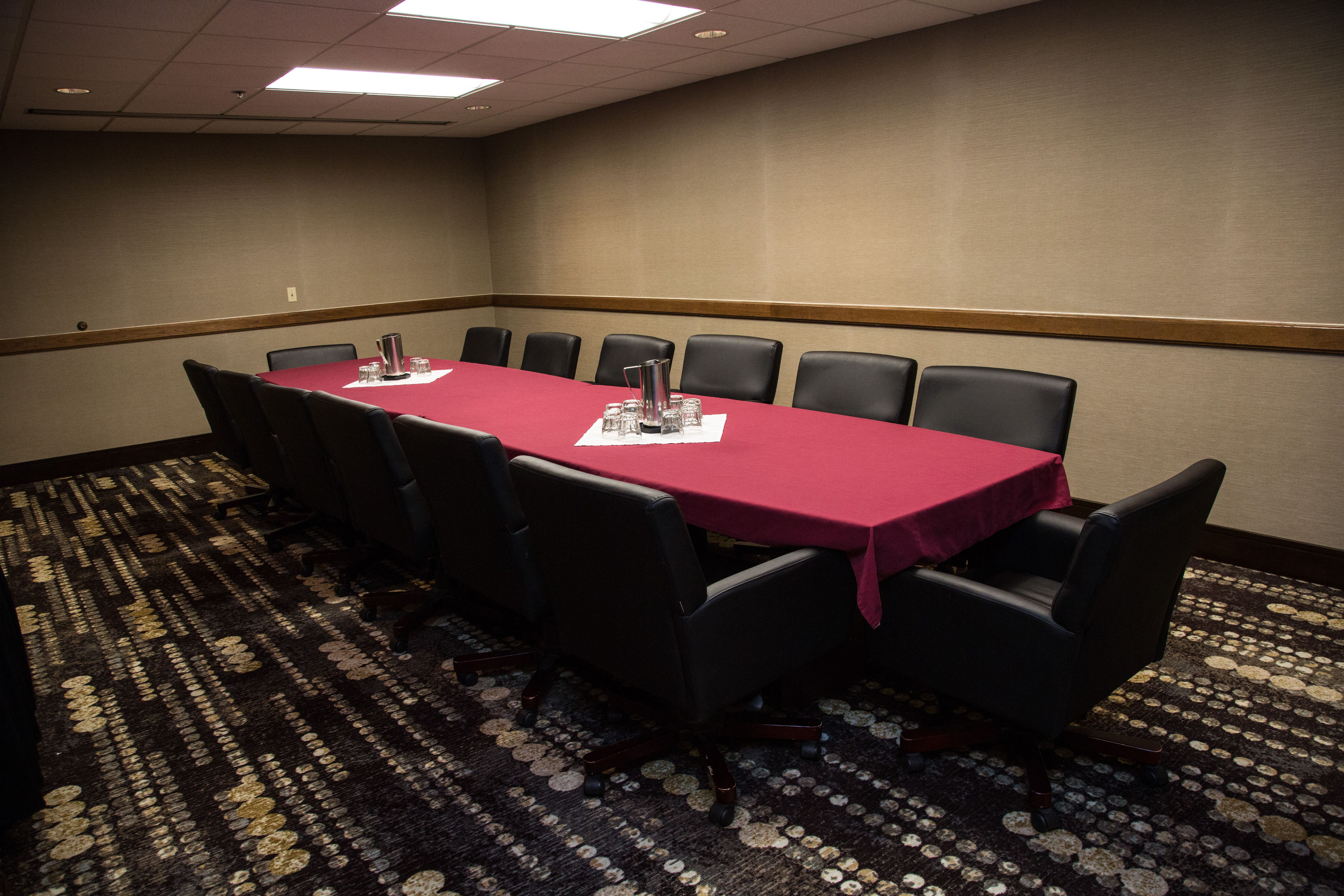 Wyoming Conference Room Photo Claussen Photography Rapid City Hotel Meetings Holiday Inn Rapid City Rushmore Plaza Hotel Hotel Meeting Rapid City Hotels Conference Room