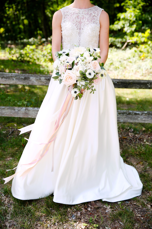 Soft Bridal Bouquet Long Ribbon Anemone Gardenroses Roses